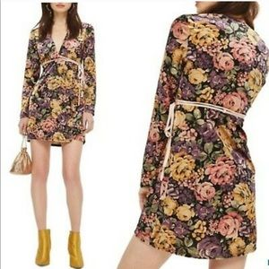 Topshop Dresses - TOPSHOP Floral Wrap Dress